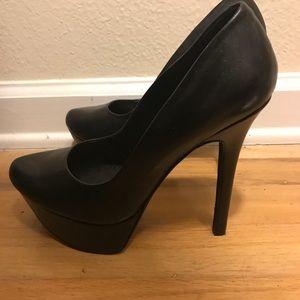 Jessica Simpson black platform pumps- brand new